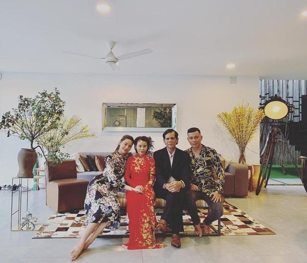 Hari Won,Trấn Thành,Tăng Thanh Hà,Hồ Ngọc Hà