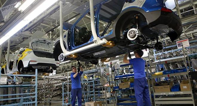 Thua đau Trung Quốc, ô tô Hàn đang bi đát