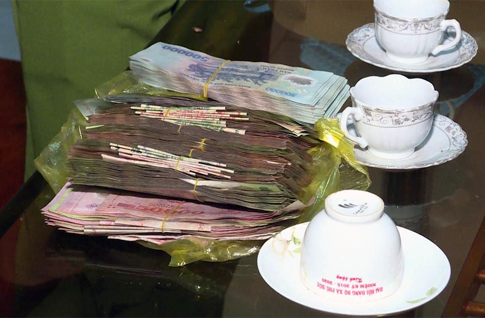 Hai vợ chồng đánh rơi 120 triệu vào mùng 1 Tết và cái kết bất ngờ