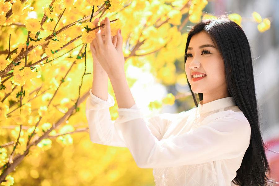 Lương Huyền Thanh,Cả một đời ân oán,Những cô gái trong thành phố
