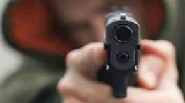 Chơi Tết ở nhà hàng xóm, bé gái 11 tuổi tử vong nghi bị súng bắn