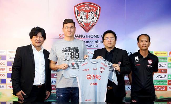 Đặng Văn Lâm ra mắt Muangthong United: Chinh phục người Thái