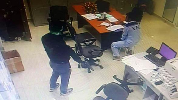 Hành trình 15 giờ phá án, bắt 2 kẻ cướp trạm thu phí Dầu Giây