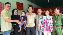 Vụ tát phụ nữ ở Đồng Nai: Cha tài xế gặp mặt xin lỗi nạn nhân