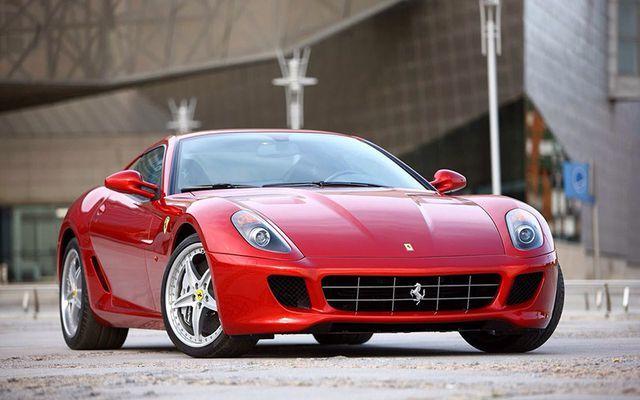 Ngắm bộ sưu tập khủng siêu xe Ferrari của ca sĩ Eric Clapton