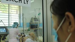 2 bệnh nhân viêm phổi nặng nghi lây từ cúm gà
