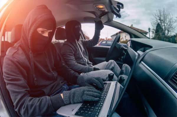 Tin tặc có thể lấy cắp thông tin cá nhân qua wifi của xe ô tô