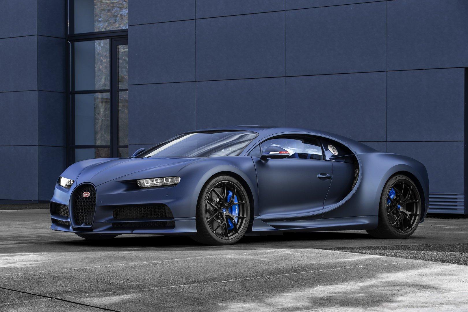 Siêu xe Bugatti Chiron Sport bản đặc biệt mang màu xanh huyền bí