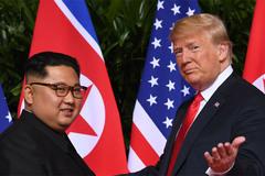 Thế giới 24h: Ông Trump 'gọi tên' Hà Nội