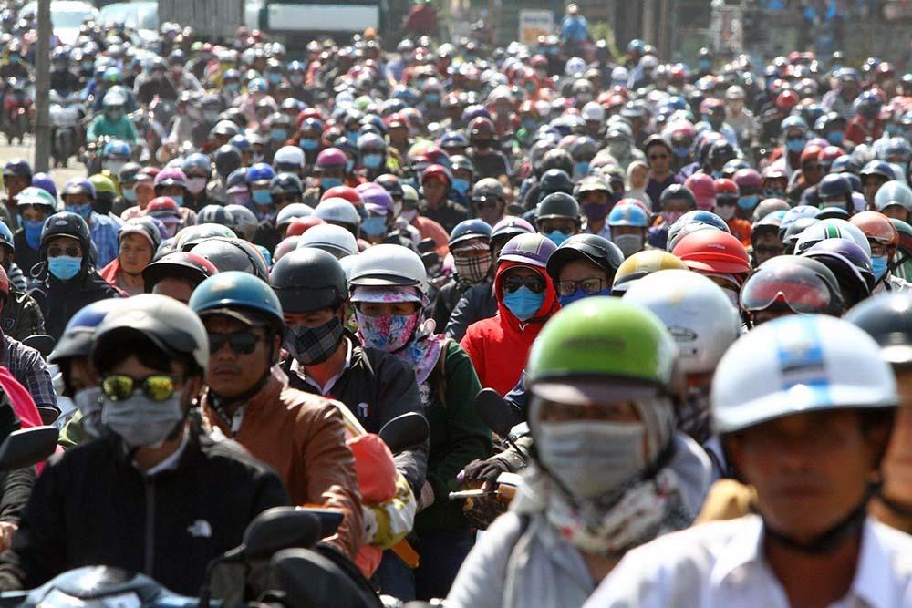 Hết Tết rồng rắn về Sài Gòn, cửa ngõ miền Tây không còn lối thoát