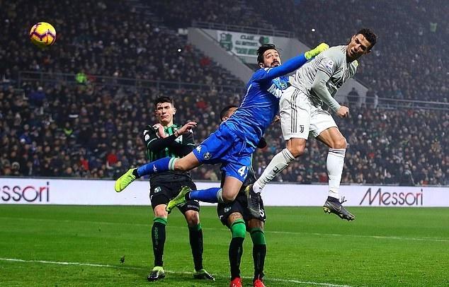 Ronaldo lập công, Juventus bỏ xa Napoli 11 điểm