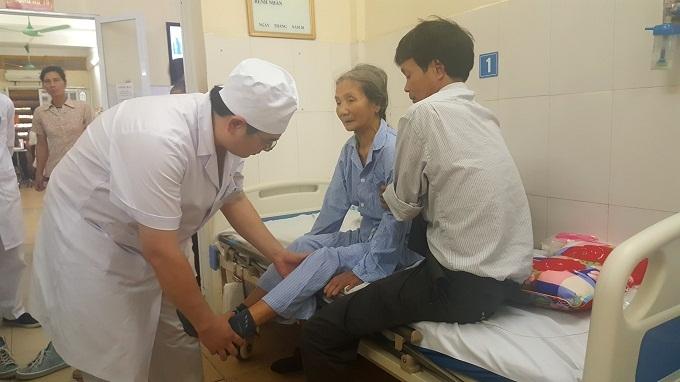 Cụ bà 96 tuổi hồi sinh sau ca phẫu thuật thay khớp