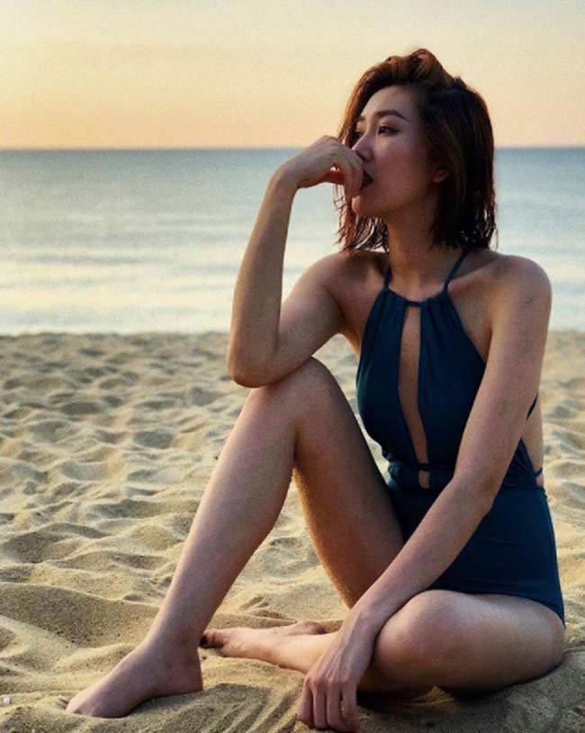 Elly Trần làm nóng ngày đầu Xuân với ảnh nội y, bikini bốc lửa