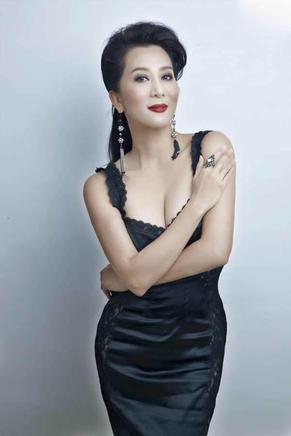 Những mỹ nhân Việt U50 vẫn đẹp gợi cảm bất chấp tuổi tác