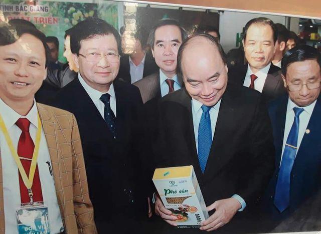 Kỹ sư công nghệ thông tin bỏ Sài Gòn về quê... bán phở sắn