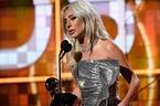 Lady Gaga 'ôm' giải Grammy thứ 3 chỉ trong 1 đêm