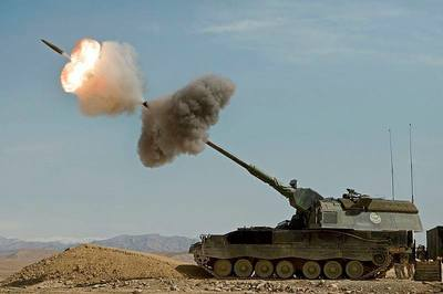 Sức mạnh đáng gờm của pháo tự hành PzH-2000