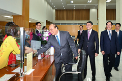 Thủ tướng thăm 'kênh vốn của người nghèo' nhân đầu năm mới