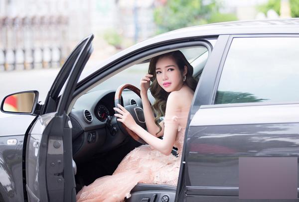 Hot girl,Elly Trần
