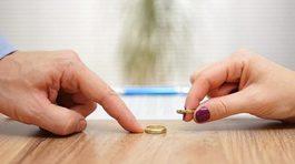 Hôn nhân ngắn kỷ lục, ly dị sau 3 phút ký giấy kết hôn