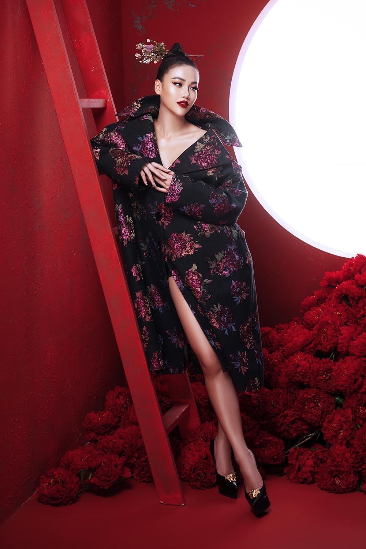 Hoa hậu Trái Đất Phương Khánh đẹp ma mị trong bộ ảnh Á Đông
