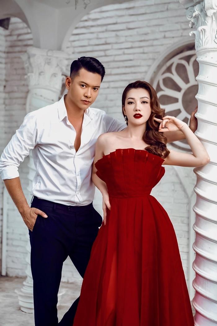 Hồ Đức Vĩnh tình tứ bên Hoa hậu Thái Nhiên Phương