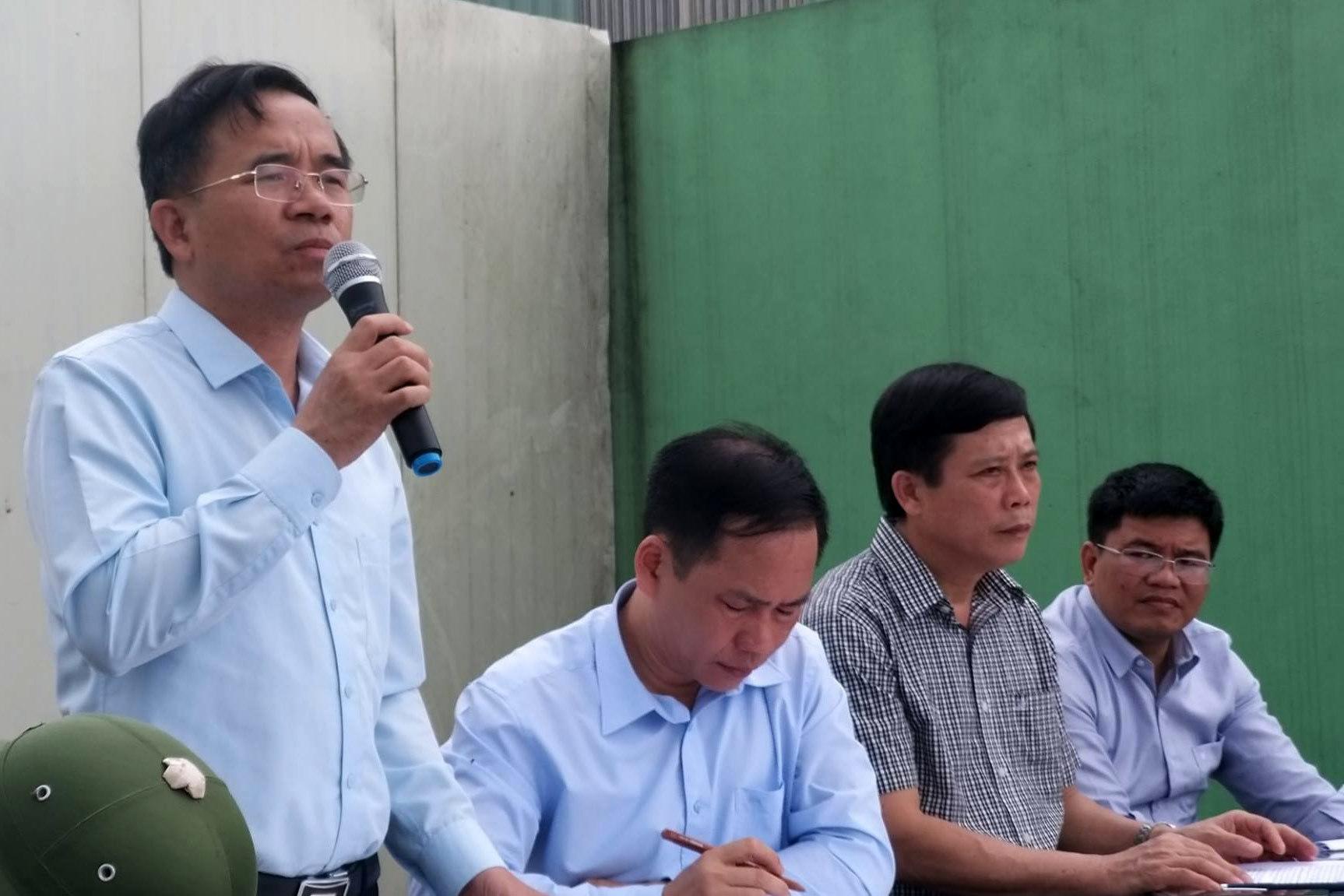 Mâm cúng tổ tiên phải đổ vì ruồi bâu, Chủ tịch huyện xin lỗi dân