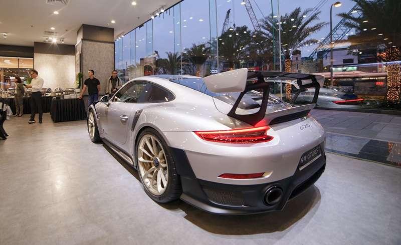 Siêu xe Porsche đắt nhất VN về tay đại gia Lê Thanh Hiếu