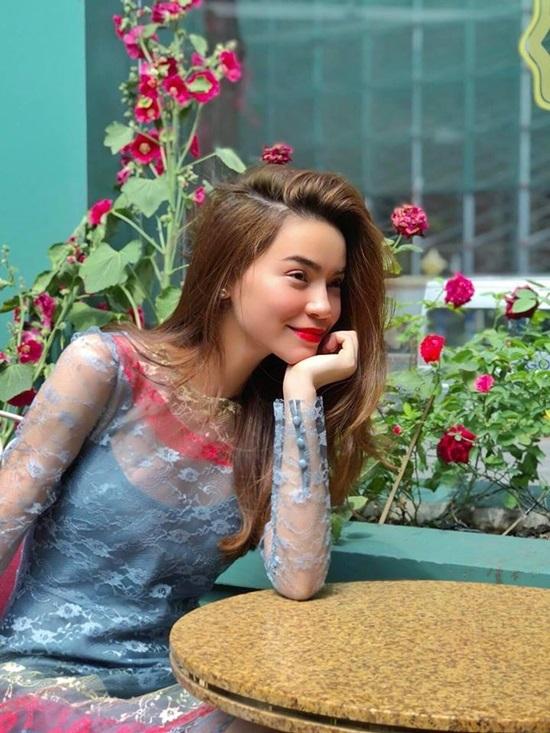 Sao Việt biến hoá đa dạng nhiều kiểu tóc hút mắt đầu năm mới