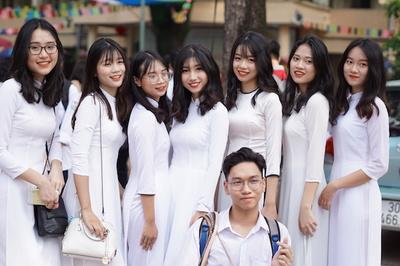 1,5m mới được xét vào sư phạm: Tuyển giáo viên hay người mẫu?