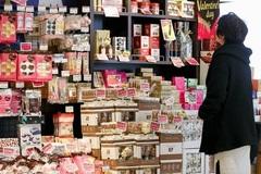 Phụ nữ Nhật chán tặng sôcôla vào lễ Tình nhân