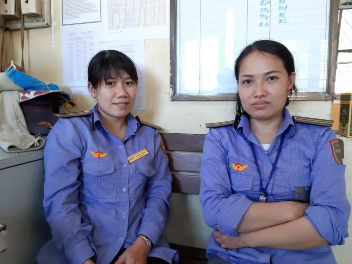 Cụ bà kể khoảnh khắc được 2 nữ nhân viên cứu trước đầu tàu hỏa