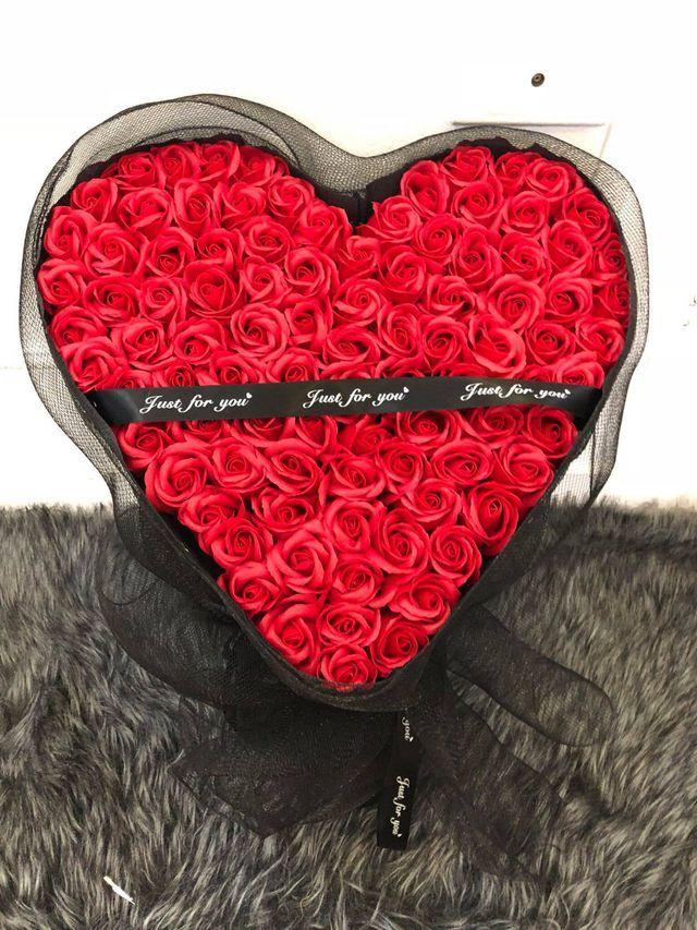 3-4 triệu đồng hộp hoa sáp, dịp Valentine tiếc gì tặng tình nhân