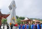 Cô giáo ở đài tưởng niệm Pò Hèn và lời nhắn nhủ của đồn phó liệt sĩ