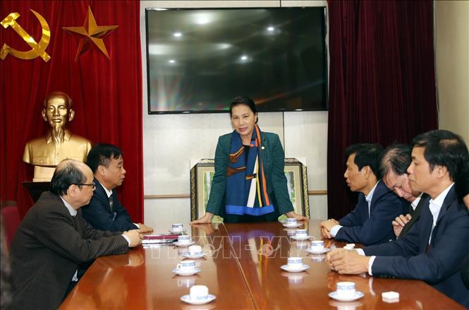 Chủ tịch QH trồng cây lưu niệm tại khu di tích Chủ tịch Hồ Chí Minh