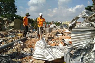 78 hộ dân vườn rau Lộc Hưng nhận tiền hỗ trợ Tết Kỷ Hợi
