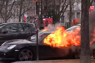 Biểu tình Áo vàng lại đốt phá xe sang tại Paris