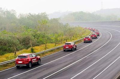 Hãng xe Trung Quốc lập kỷ lục với đoàn diễu hành xe tự động lái