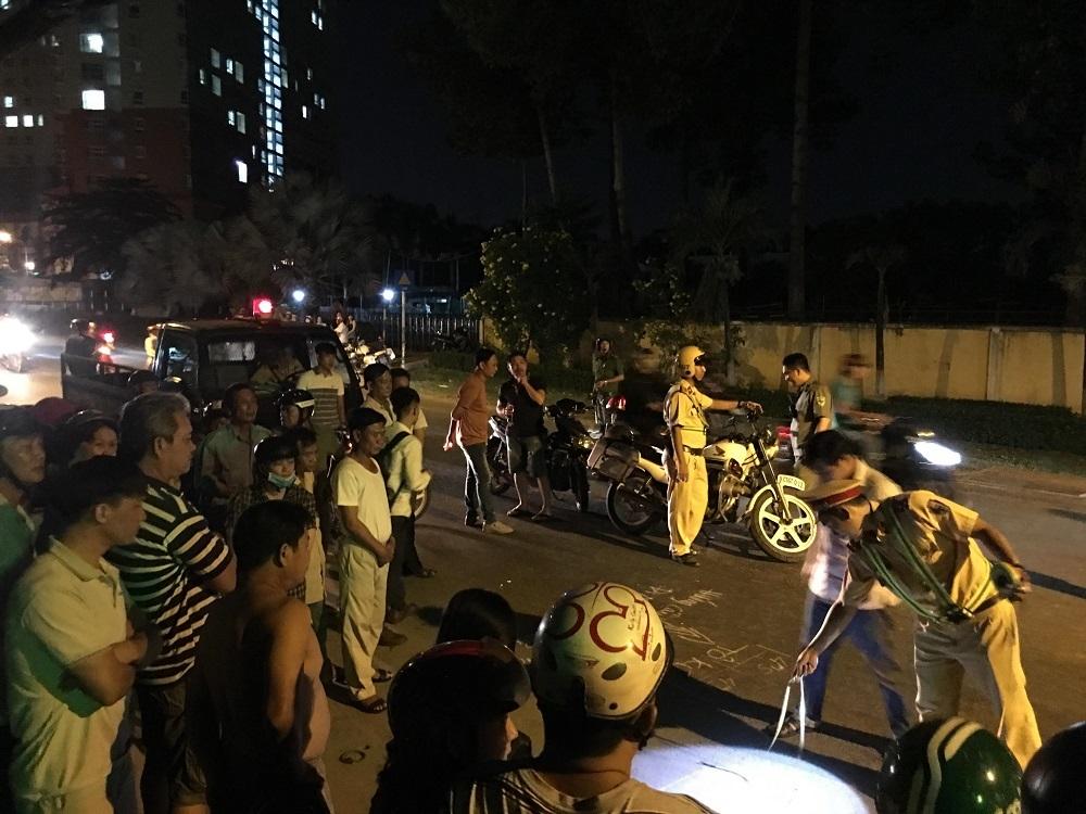 Một phụ nữ bị xe bồn cán chết giữa đêm ở Sài Gòn