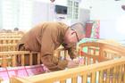 Anh giám đốc 'cự tuyệt' lấy vợ, làm cha đơn thân của 84 đứa con
