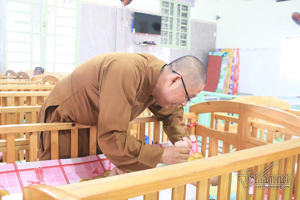 Trẻ bị bỏ rơi,Cha đơn thân,Đồng Nai