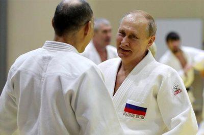 Putin bị thương khi thử đấu với nhà vô địch Judo