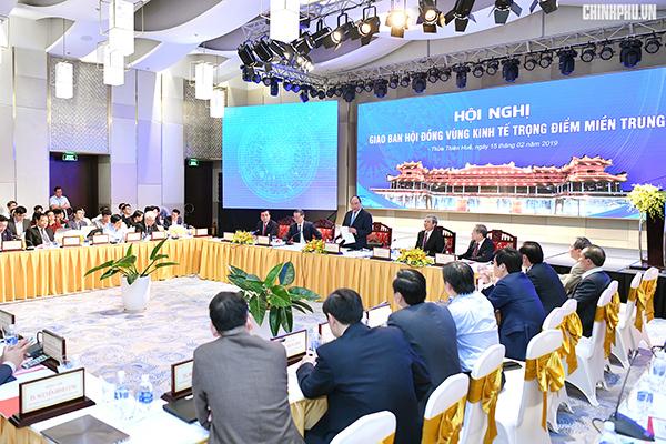 Thủ tướng họp giao ban Hội đồng Vùng kinh tế trọng điểm miền Trung