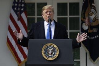 Ông Trump tuyên bố tình trạng khẩn cấp quốc gia