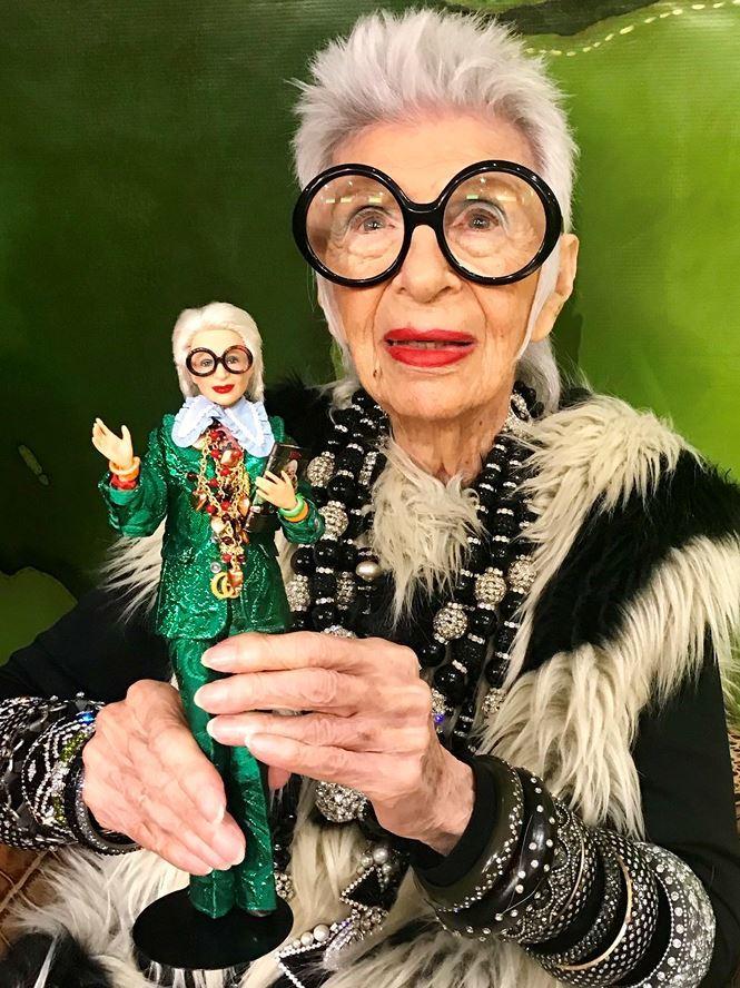 Biểu tượng thời trang 97 tuổi trở thành người mẫu già nhất thế giới