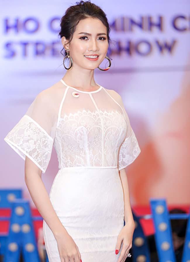 Hoa hậu vừa được bạn trai về tận quê Tiền Giang tặng nhẫn 5,5 tỷ giàu cỡ nào?