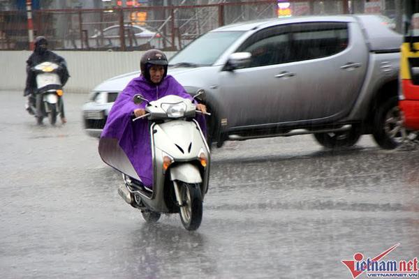 Dự báo thời tiết 17/2: Miền Bắc đề phòng lốc, mưa đá
