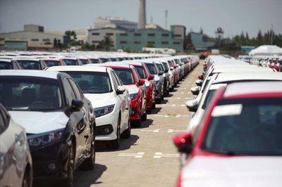 2019: Thời ế ẩm, ô tô tầm 700 triệu giảm giá cực mạnh