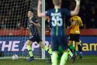 """""""Cánh chim lạ"""" tỏa sáng, Man City thắng tưng bừng ở FA Cup"""