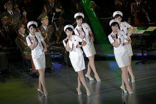K-pop và giày thể thao - cuộc cách mạng văn hóa của ông Kim Jong Un
